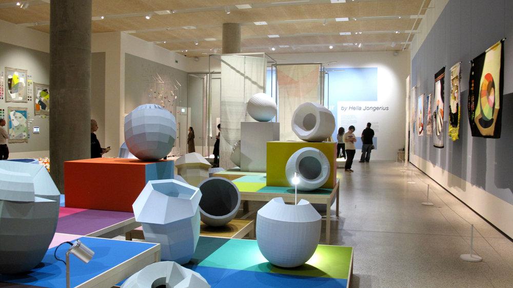 londond-design-museum-hella-jongerius-colour-catchers-2-toitoitoiluv.png