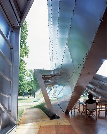 Image 4 of 34   Serpentine Gallery Pavilion 2001 by Daniel Libeskind