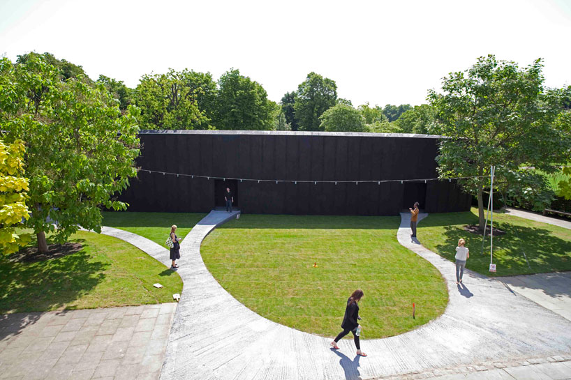 Image 19 of 34   Serpentine Gallery Pavilion 2011 by Peter Zumthor