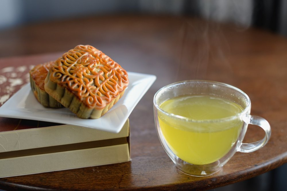 mooncakes and tea