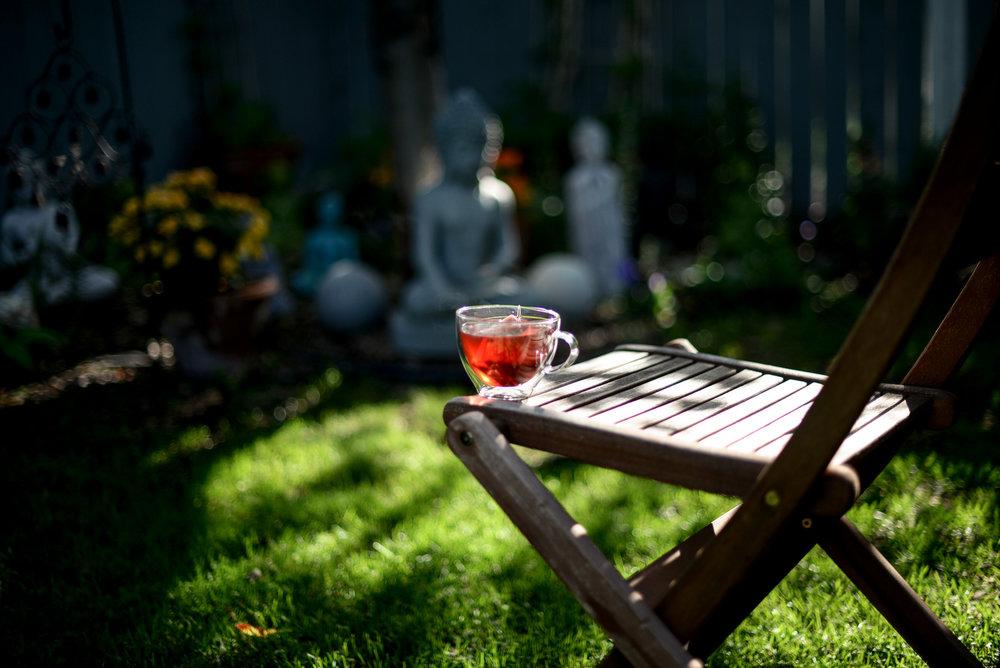 tea and buddhas
