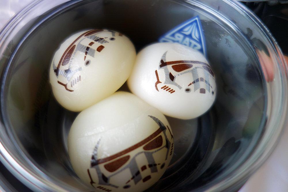 Stormtrooper Mochi - Custard Cream, Berry Cream, Caramel Cream. ¥980 with case.  Soft Landing - Tomorrowland