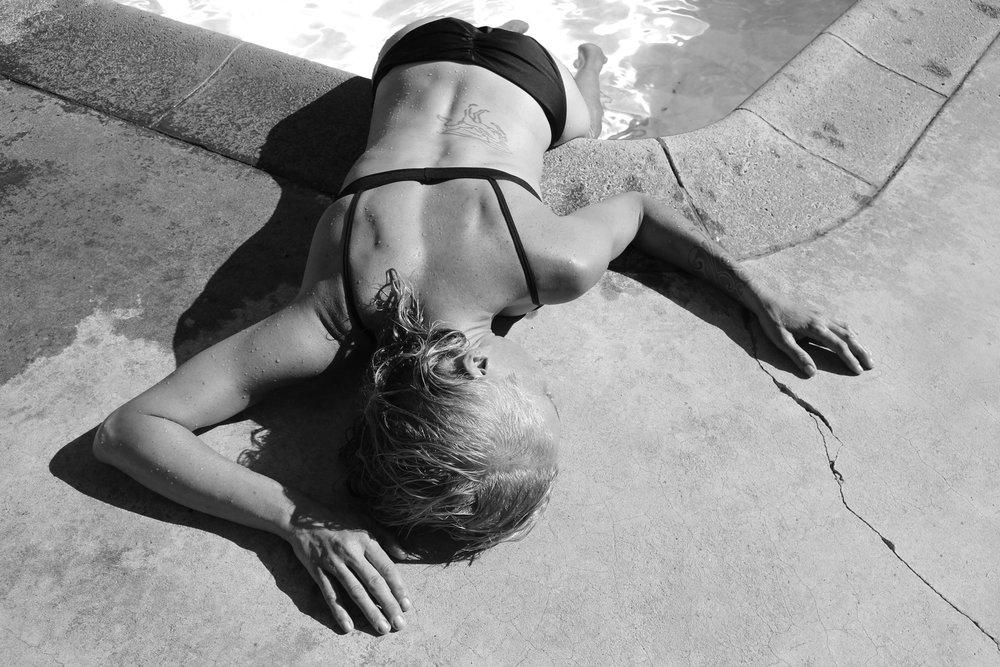 Carrie_swim_back-wb.jpg
