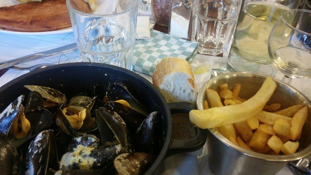 Dijon mussels & fries. Outstanding!