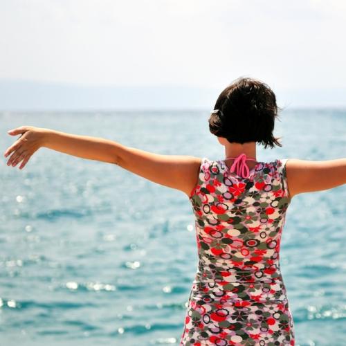 Healthy_Woman_BeachVacation