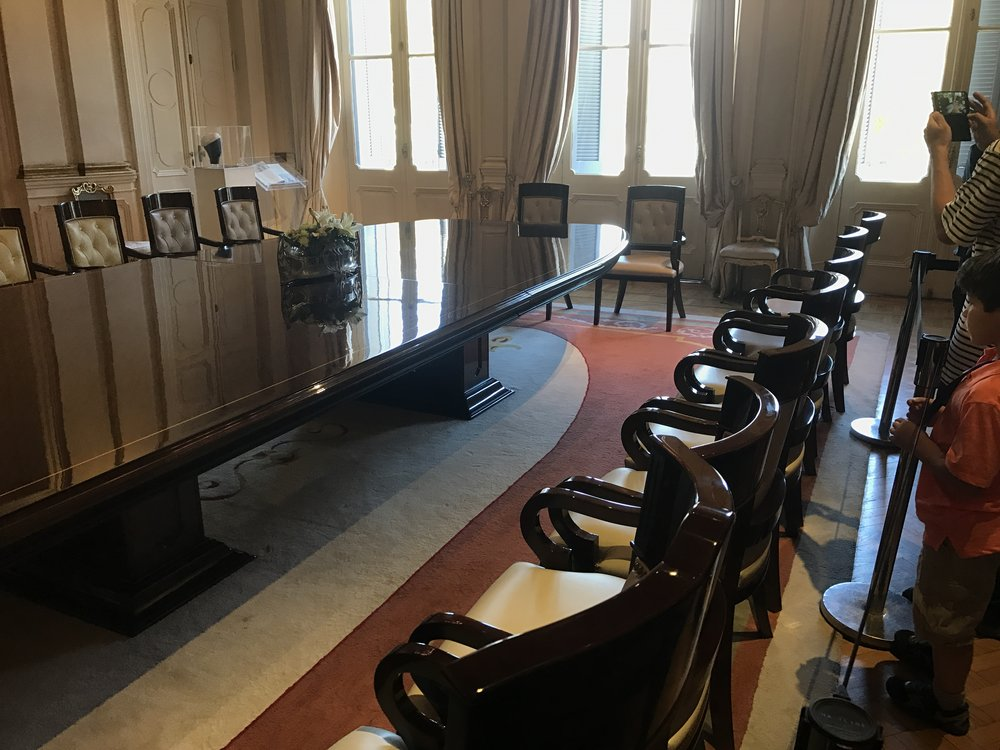 Cabinet meeting room.
