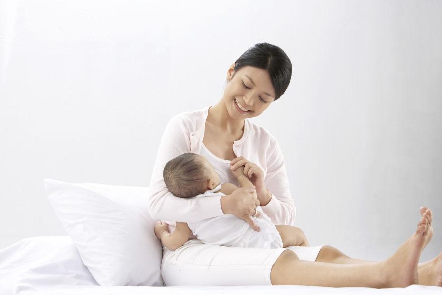 Tips-Tetap-Lancar-Memberi-ASI-Selama-Puasa-Untuk-Ibu-Menyusui.jpg