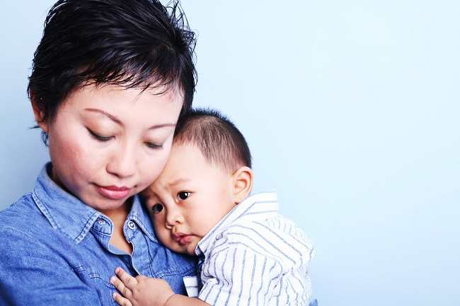 hai-para-suami-pahami-depresi-pasca-melahirkan-yang-bisa-menyerang-istrimu-alodokter.jpg