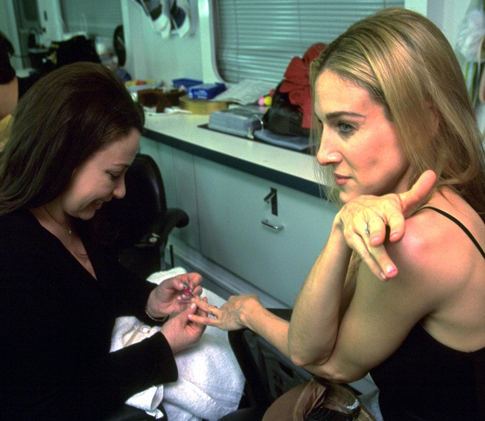 Deborah giving a manicure to Sarah Jessica Parker