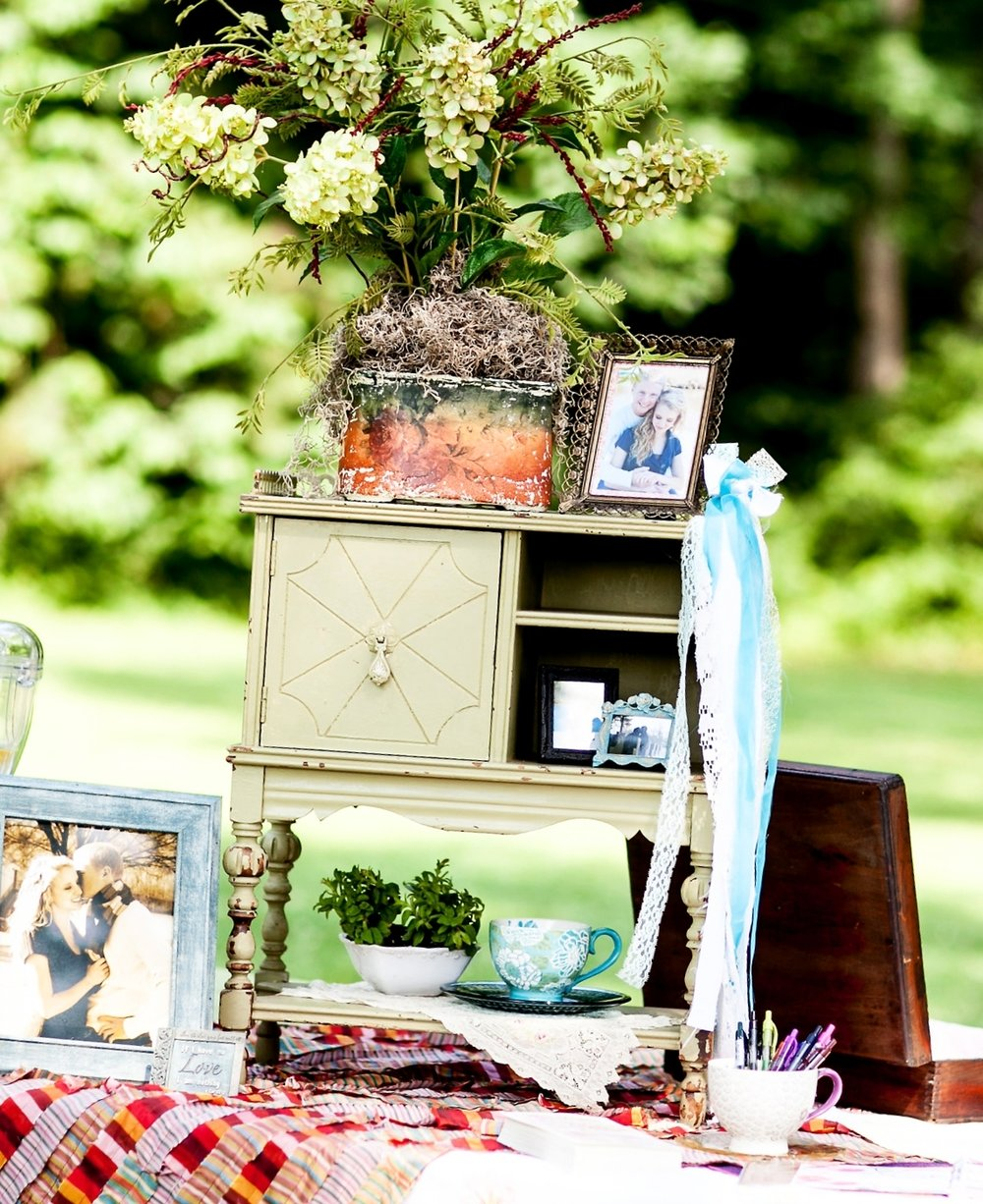 Green Hydrangea Floral , Green Tobacco Cabinet