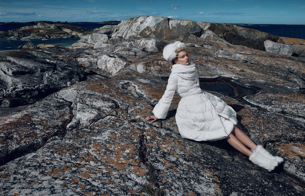 Giovanna-Battaglia-Vogue-Japan-The-Nordic-Queen-October-2015-Emma-Summerton-5.jpg