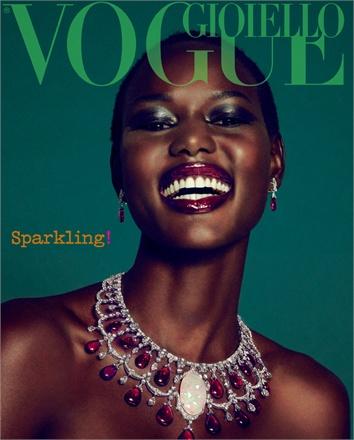 Giovanna-Battaglia-Vogue-Gioiello-30-Thirty-Years-of-Golden-Dreams-3-Sofia-Sanchez-Mauro-Mongiello-Sparkling.jpg