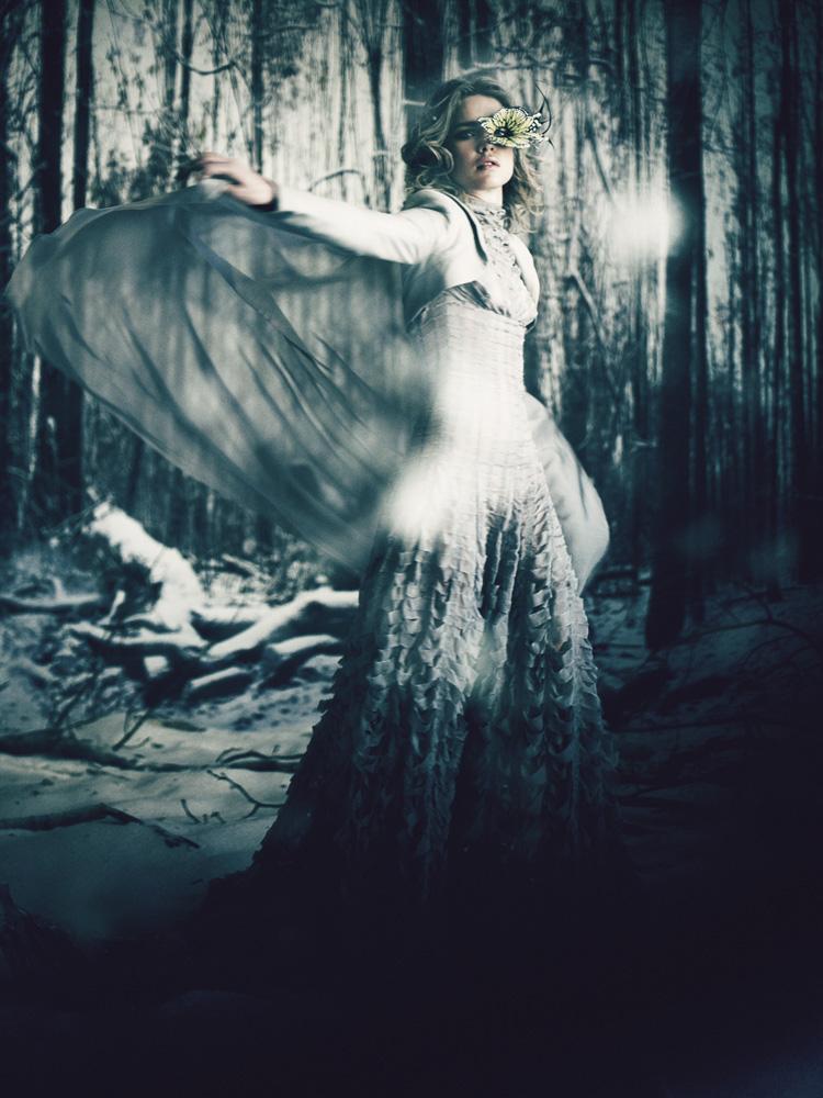 Giovanna-Battaglia-18-The-White-Fairy-Tale-Natalia-Vodianova.jpg