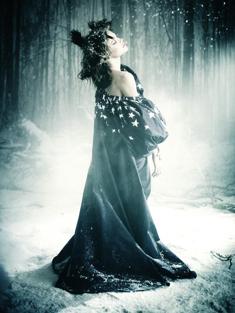 Giovanna-Battaglia-23-The-White-Fairy-Tale-Natalia-Vodianova.jpg