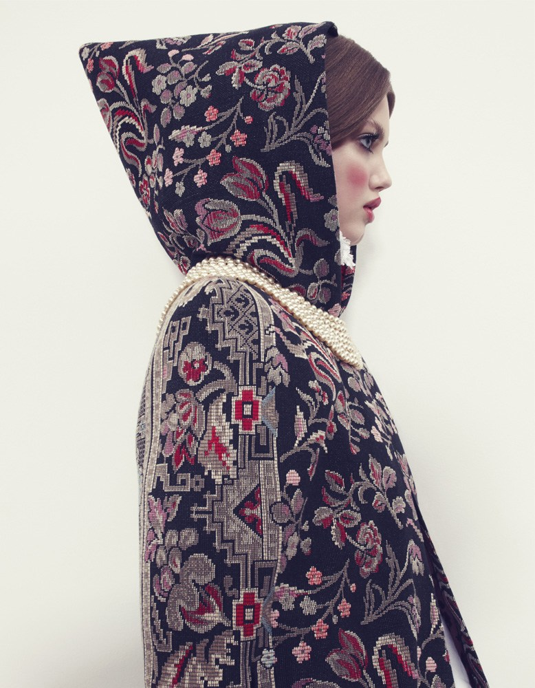 Giovanna-Battaglia-5-The-Anastasia-of-Winter-Vogue-Japan-Emma-Summerton.png