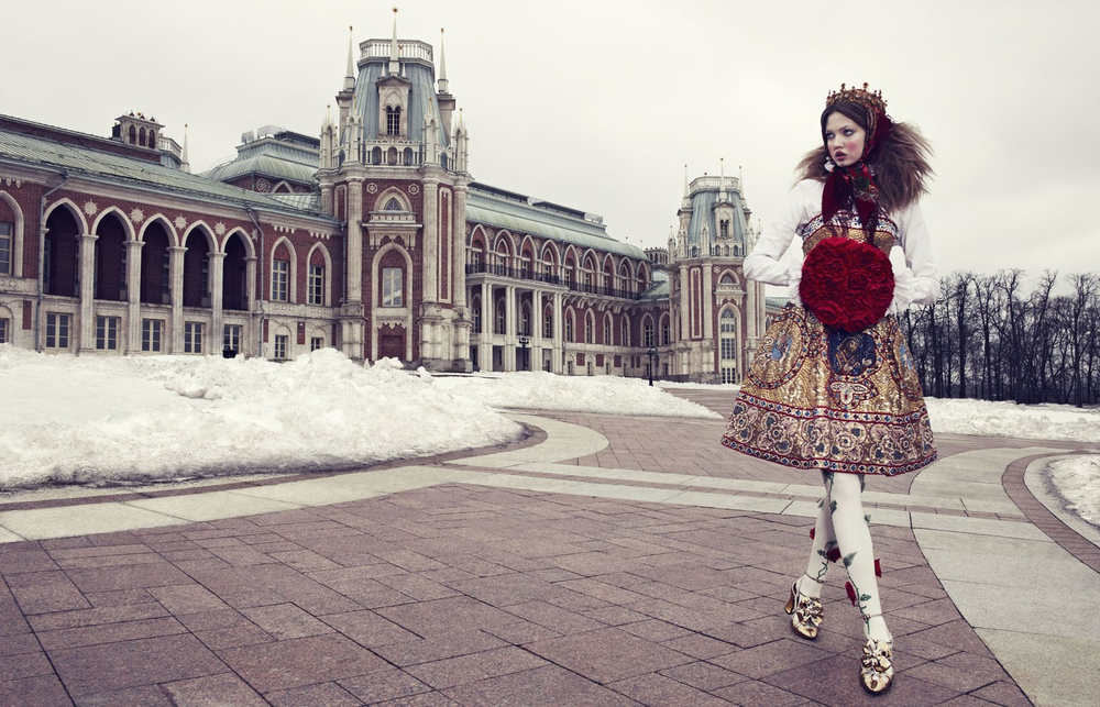 Giovanna-Battaglia-7-The-Anastasia-of-Winter-Vogue-Japan-Emma-Summerton.png