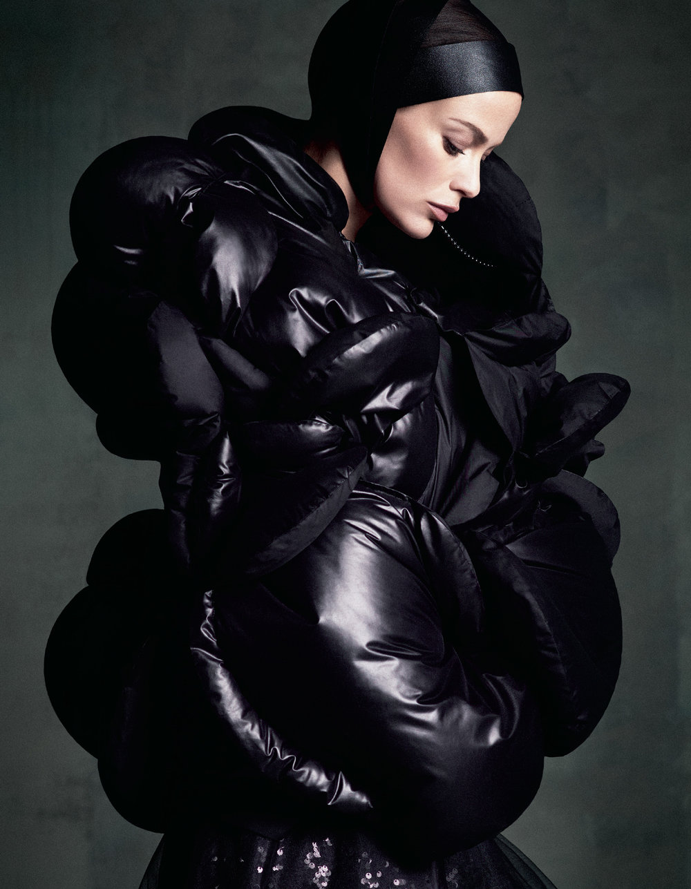 Giovanna-Battaglia-The-Icons-Of-Perfections-Vogue-Japan-15th-Anniversary-Issue-Luigi-Iango-V181_263_200-5.jpg
