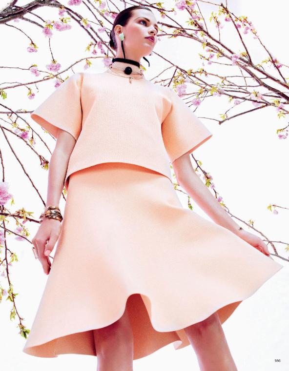 Giovanna-Battaglia-6-Posing-In-Pink-Vogue-Japan-Sharif-Hamza.jpg