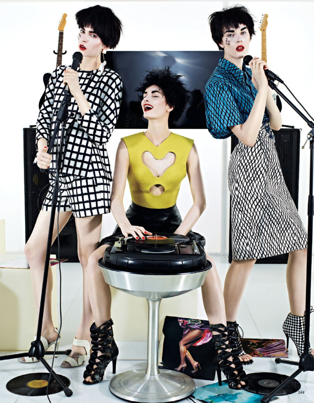 Giovanna-Battaglia-3-Girls-in-the-Band-Vogue-Japan-Sharif-Hamza.jpg