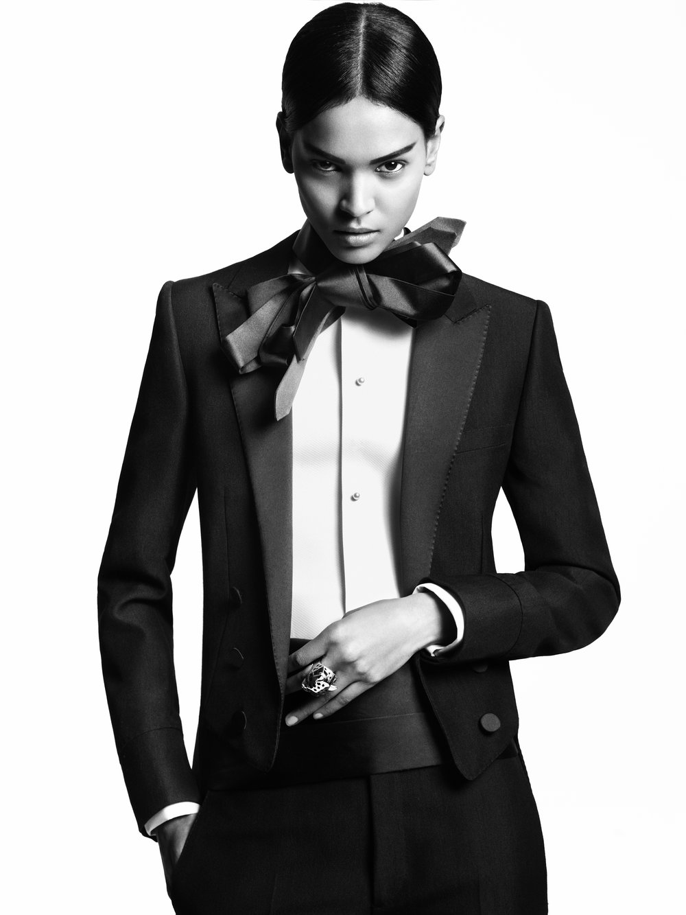 Giovanna-Battaglia-4-Black-and-White-Etiquette-L'uomo-Vogue-Greg-Kadel.jpg