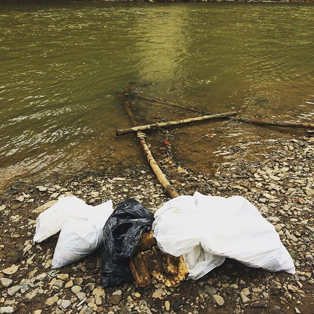 Help keep trash out of our waterways this Saturday with 2 cleanup options with @girtysrunwatershed and @lowerchartierswatershed. Check out our EnviroEvents calendar or stop by their Facebook pages for more info  #cleanup #volunteer #watershed #alleghenycounty