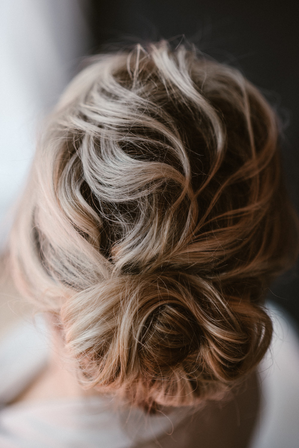 close up of perfect bridesmaid hair