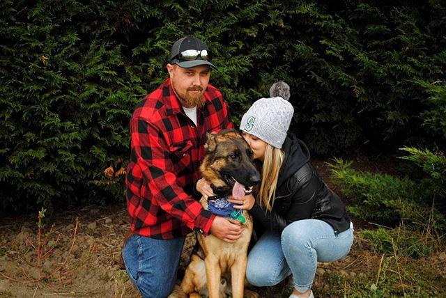 You, me and the dog 🍁🍃🐶🎃 #HappyFallYall #Portrait #NorthwestIsBest #UpperLeftUSA #DogParents #PNW