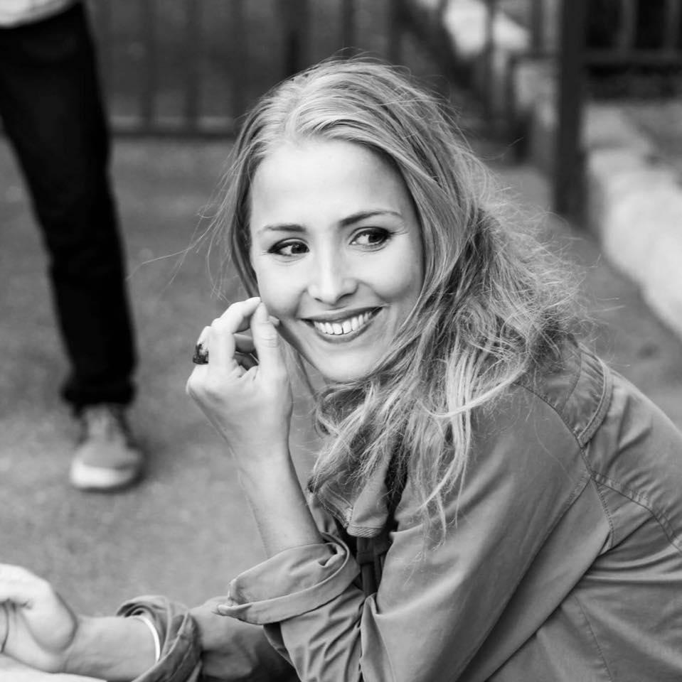 Deborah Krey     Actress / Paris