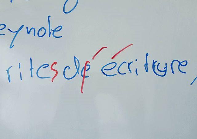 Gestern bei der Planung: Warum die Vorträge nur auf Deutsch/Englisch gehalten werden können.. Aber sonst läuft's. In der kommenden Woche gibt es Infos zu Übernachtungsmöglichkeiten und bald danach das endgültige Programm! #skk17