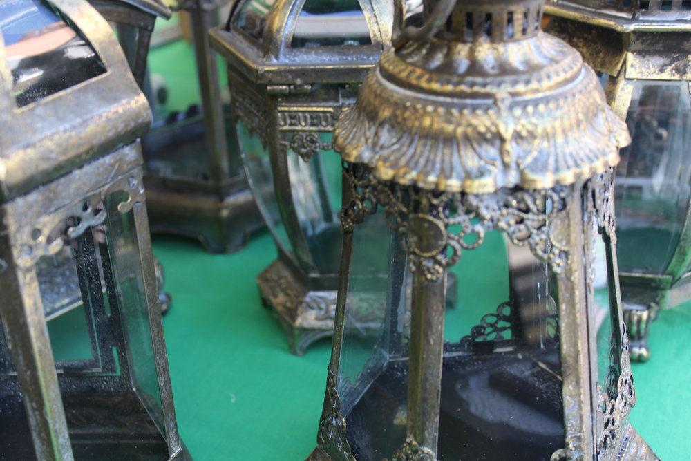 market stall antiques