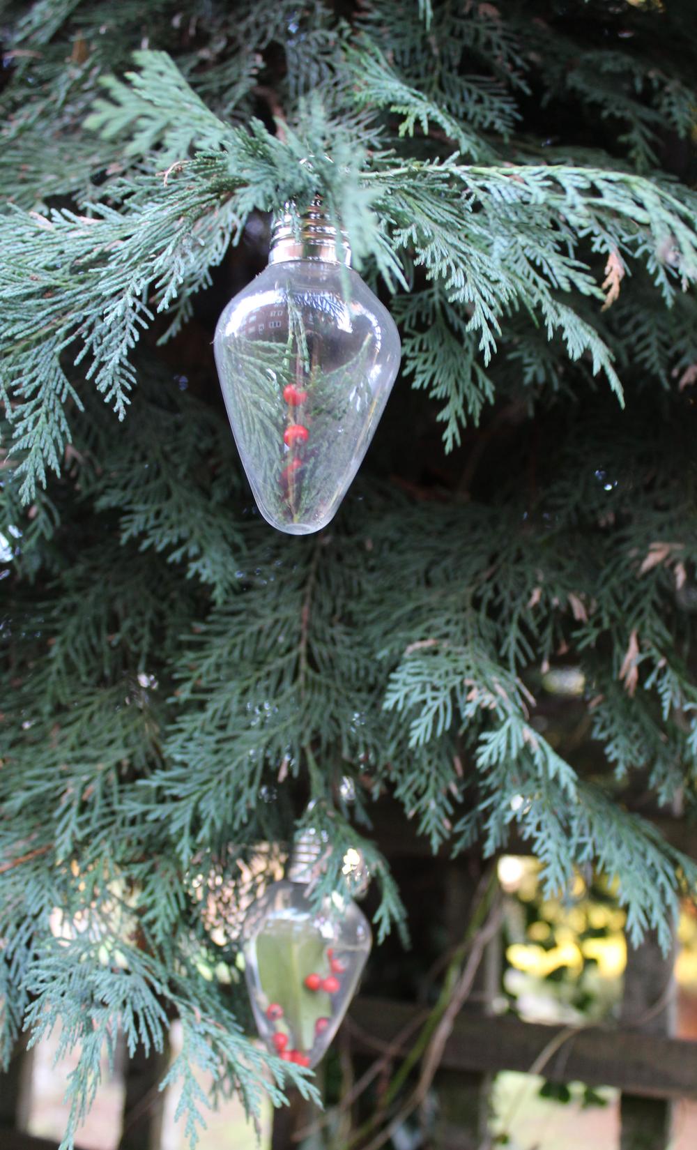 how to make a glass lightbulb christmas ornament