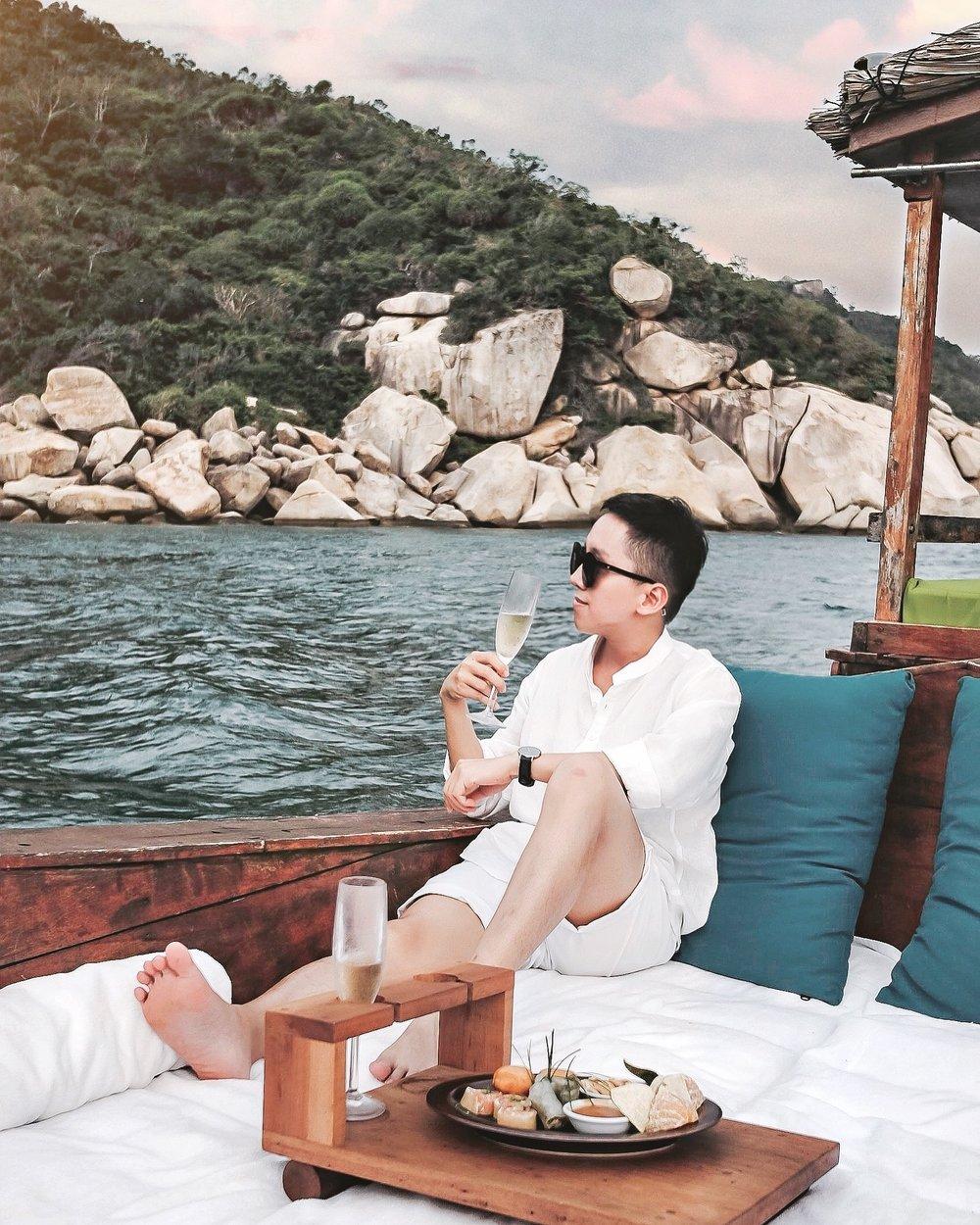 4. Romance Cruise_2.jpg