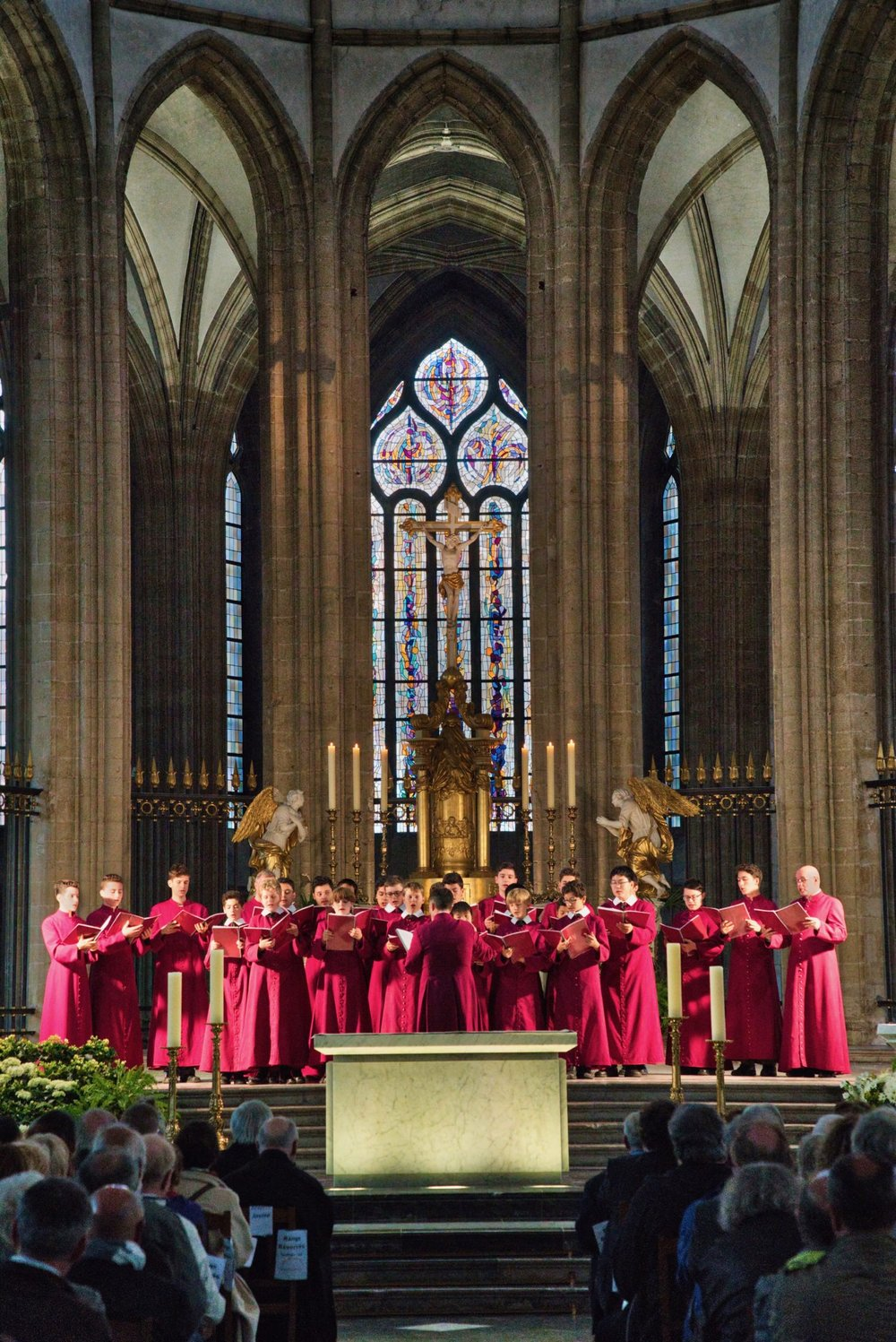 The Choir performs at the église Saint-Eloi in Dunkirk.