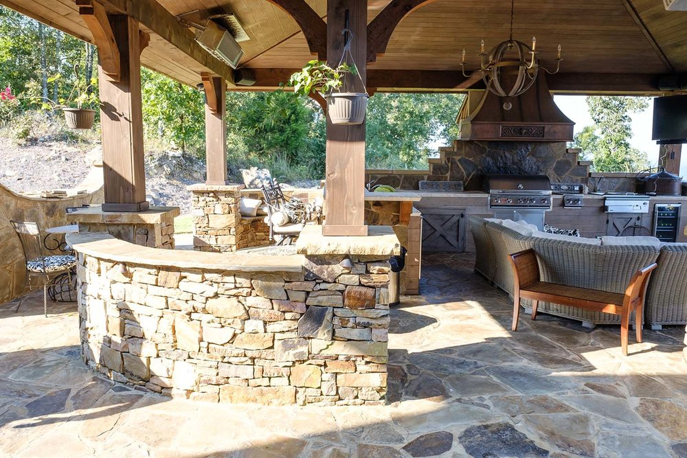 Outdoor Kitchens - Kitchens, fire pits, and outdoor living spaces