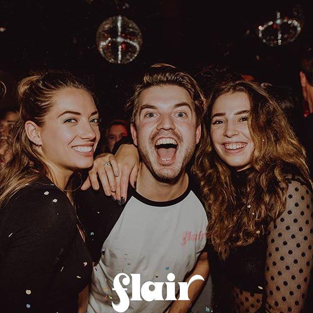 De discobaby FLAIR wordt op vrijdag 2 februari alweer 1 jaar en dat vieren we in de gezelligste discokelder van Amsterdam! Jeetje wat gaat dat toch weer snel en wat hebben we zin om de Oosterbar weer goed op z'n kop te zetten zeg. Oosterbar heeft in septemberal eens kennis mogen maken met de gezelligheid en funky tunes van FLAIR. De lekkerste discotunes en funky hitjes komen zoals je gewend bent allemaal weer langs om moves op te maken onder de discobal.  Line up ▶︎ DJ Mickster ▶︎ Woody&Williams ▶︎ WILLIAM  #disco #flair #flairnights #friday #funky #oosterbar #amsterdam #oost @flairevents