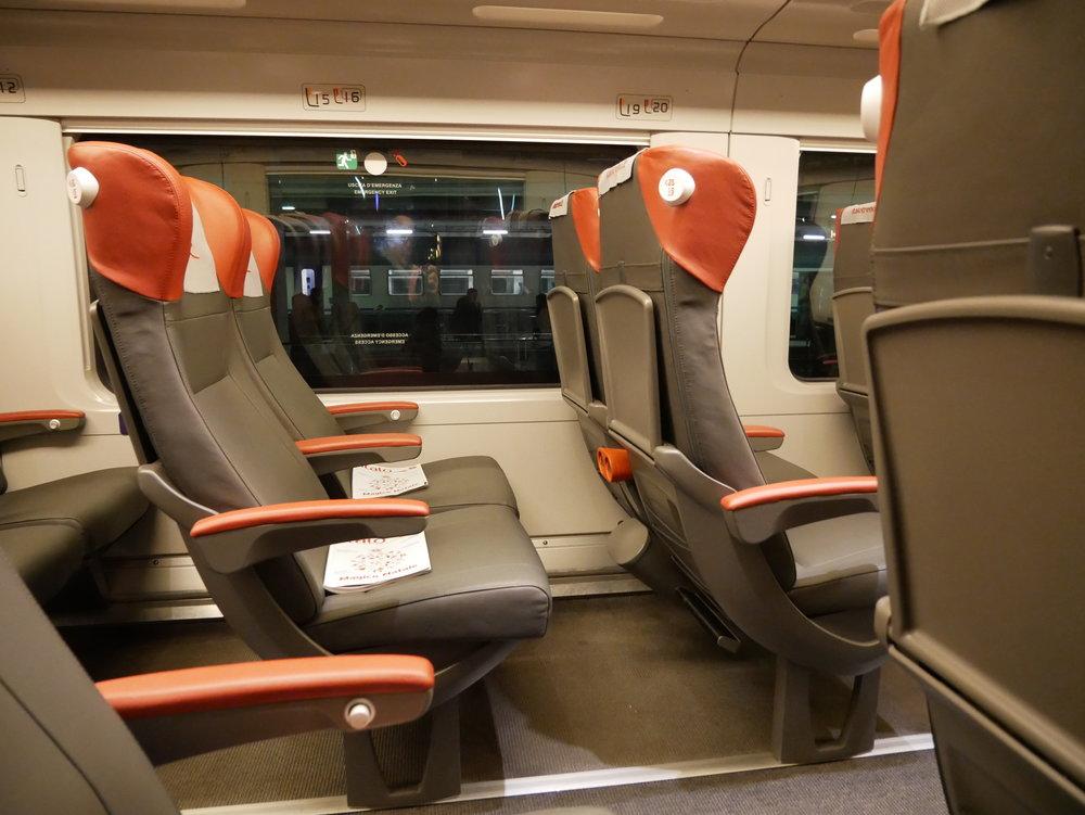 Italo train interior.jpg