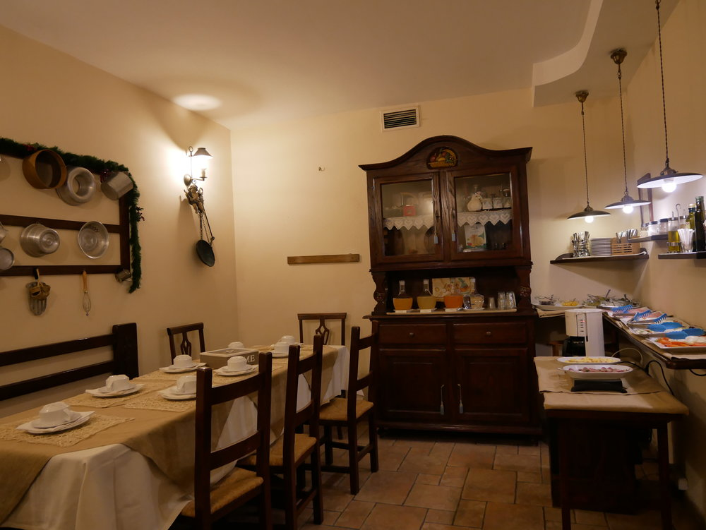 Il Convento Hotel Naples breakfast room.jpg