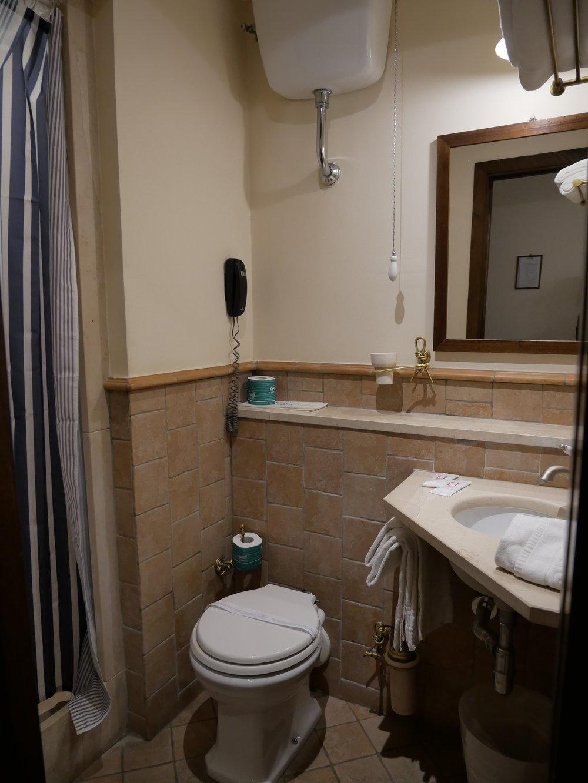 Il Convento Hotel Naples bathroom.jpg