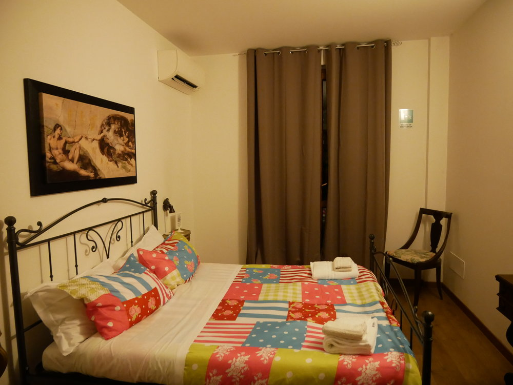 Bergamo Guesthouse SelfMatic bedroom.jpg