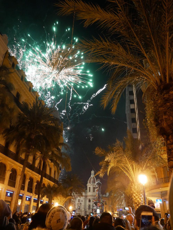 Plaza del Ayuntamiento Falla 2018 Crema 1