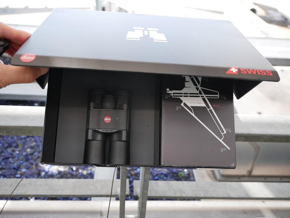 ZRH Senator Lounge E Gates binoculars