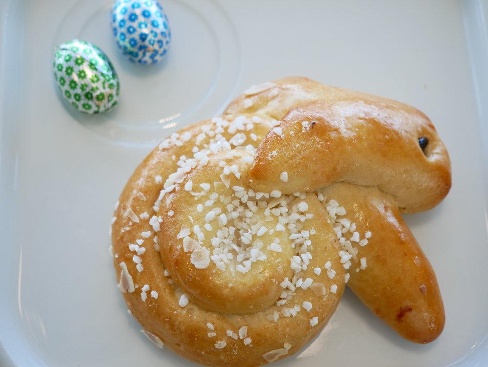 ZRH Senator Lounge E Gates Easter pastry