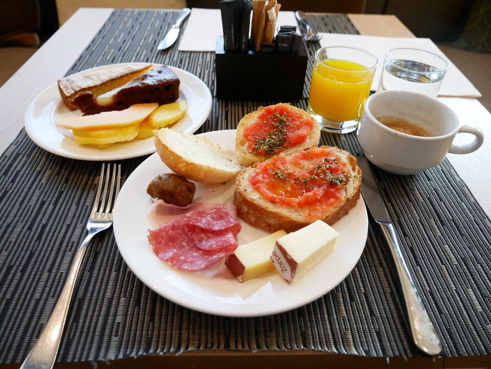 AC Hotel Milano breakfast