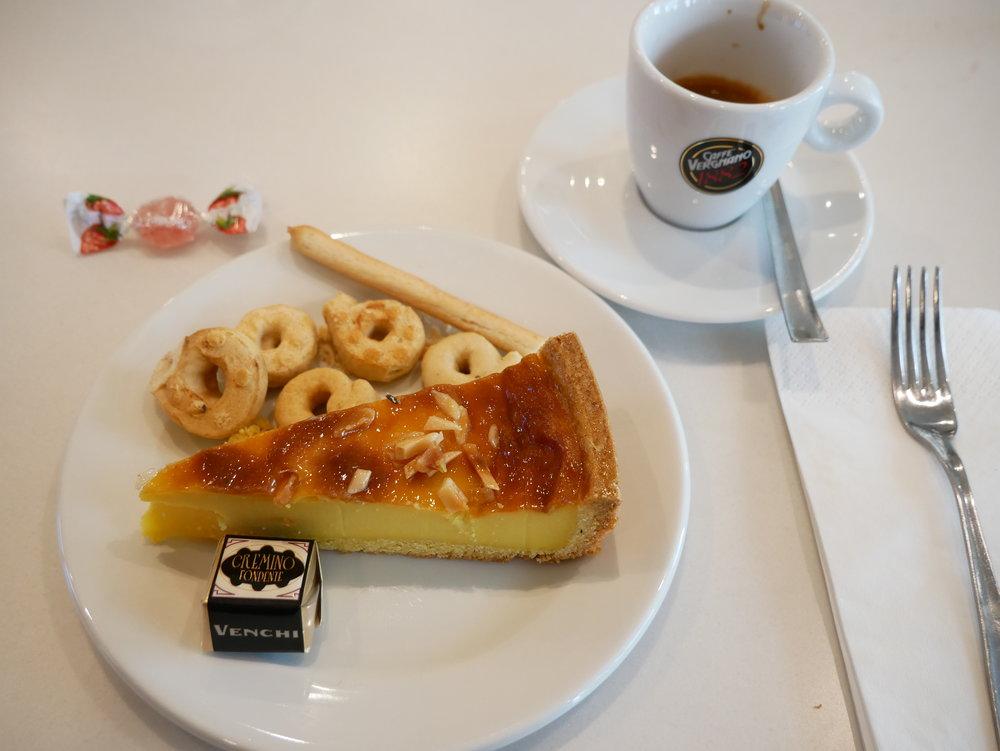 Milan Lufthansa Lounge dessert