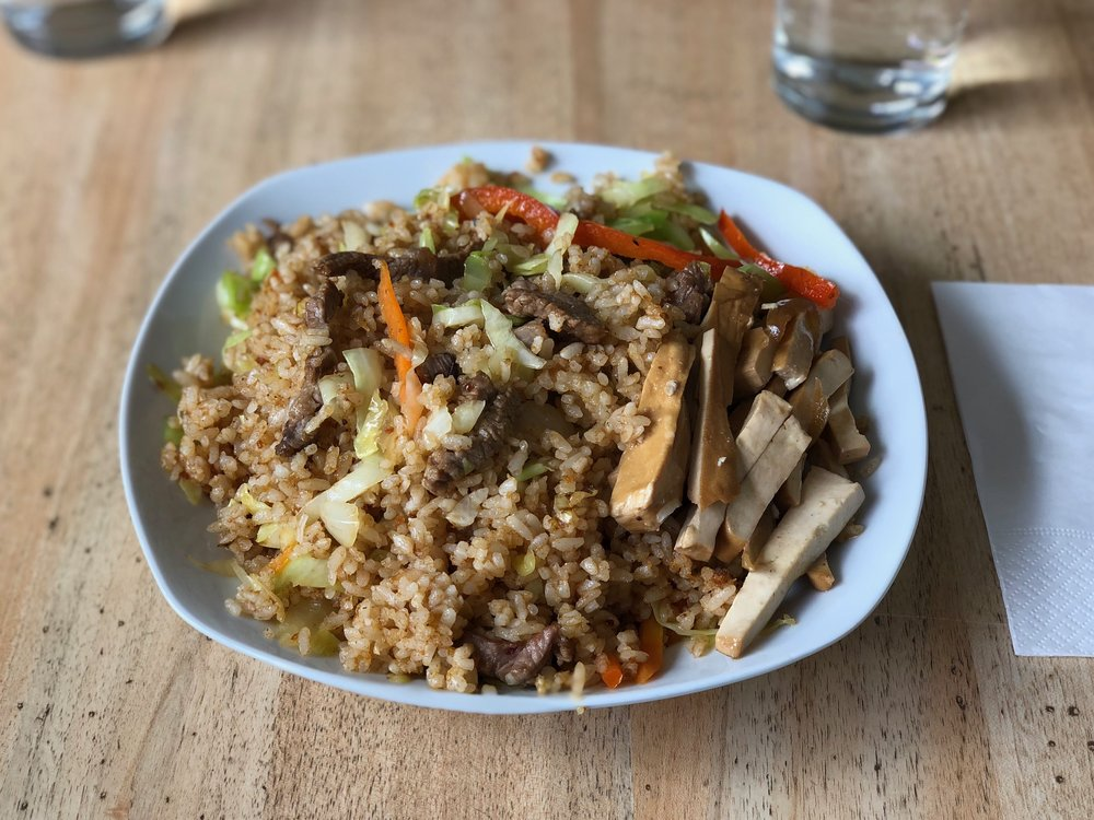 Sha-cha beef fried rice (沙茶牛肉蛋炒飯, Arroz frito con ternera y salsa sha-cha)