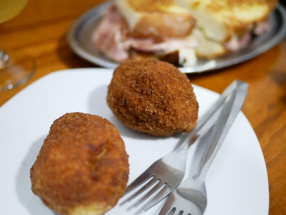 Cafe Melos croquetas