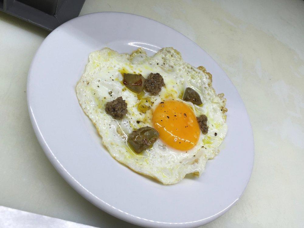 Sala de Despiece eggs and truffles