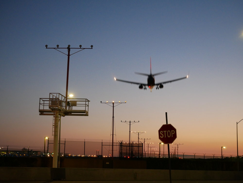 LAX Layover plane  landing