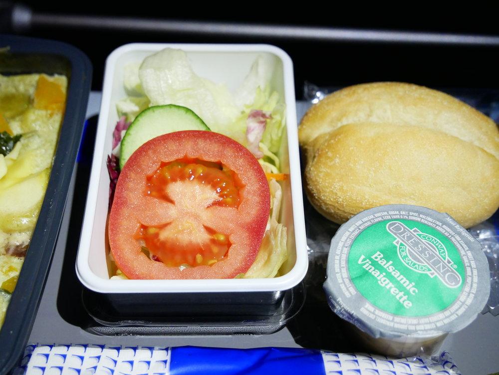 United SFO-FRA Economy salad