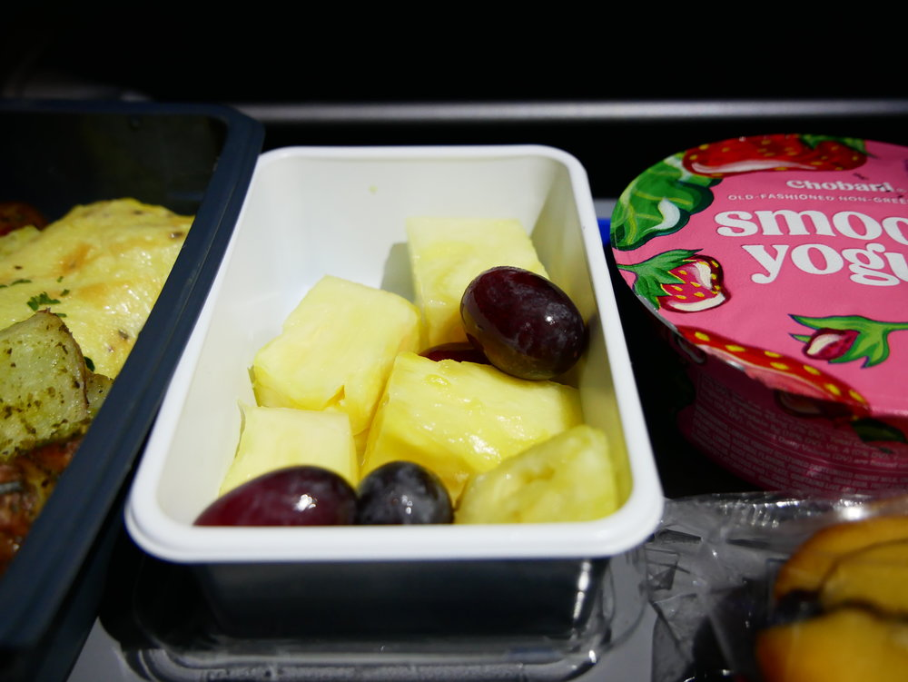 United SFO-FRA Economy fruit and yogurt